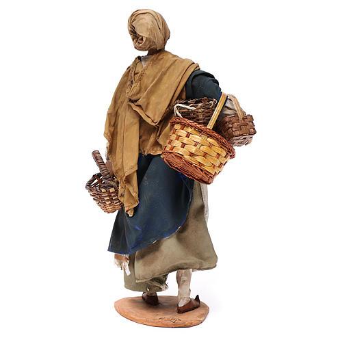 Mujer con cesta de terracota 30 cm, Angela Tripi 4