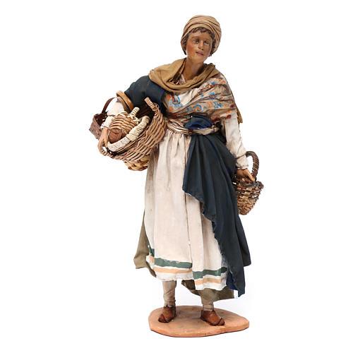 Donna con cesti 30 cm Angela Tripi terracotta 1