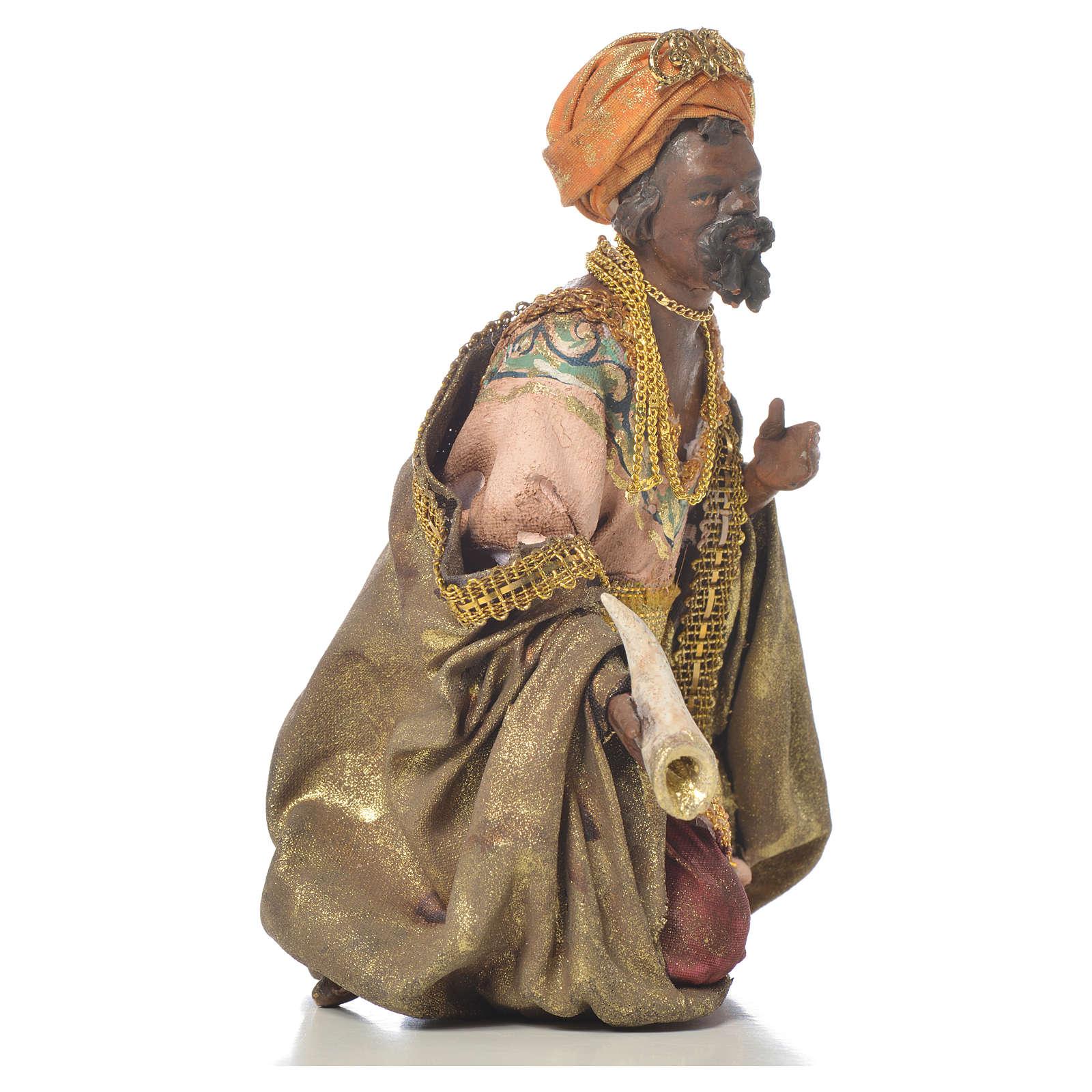 Black Wise Man in terracotta, 13cm by Angela Tripi 4