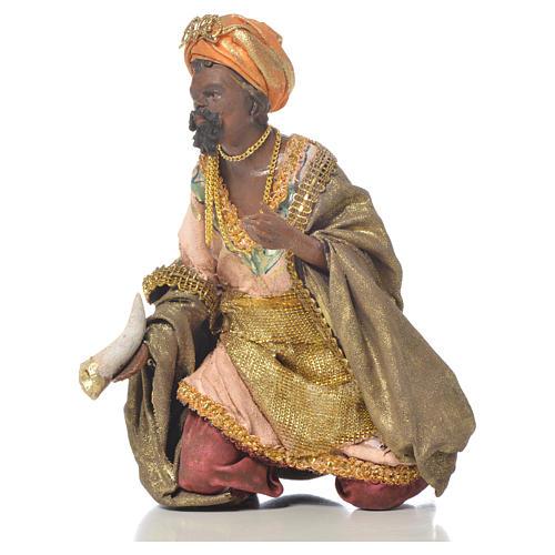 Black Wise Man in terracotta, 13cm by Angela Tripi 2