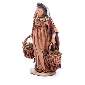Mujer con cestas de musgo Belén 13 cm Angela Tripi terracota s2