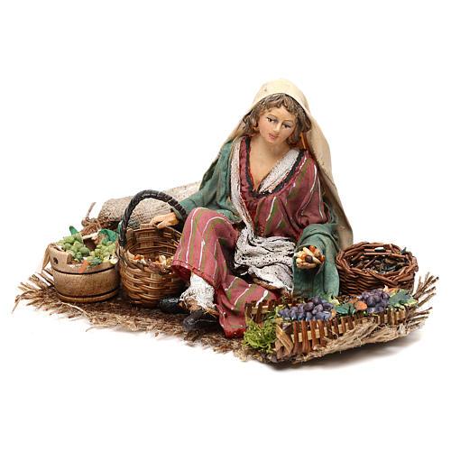 Vendeuse de raisins et céréales 13cm Angela Tripi 3