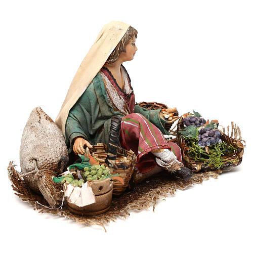 Vendeuse de raisins et céréales 13cm Angela Tripi 4