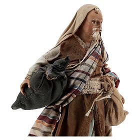 Homme aux sacs 13cm crèche Angela Tripi s2