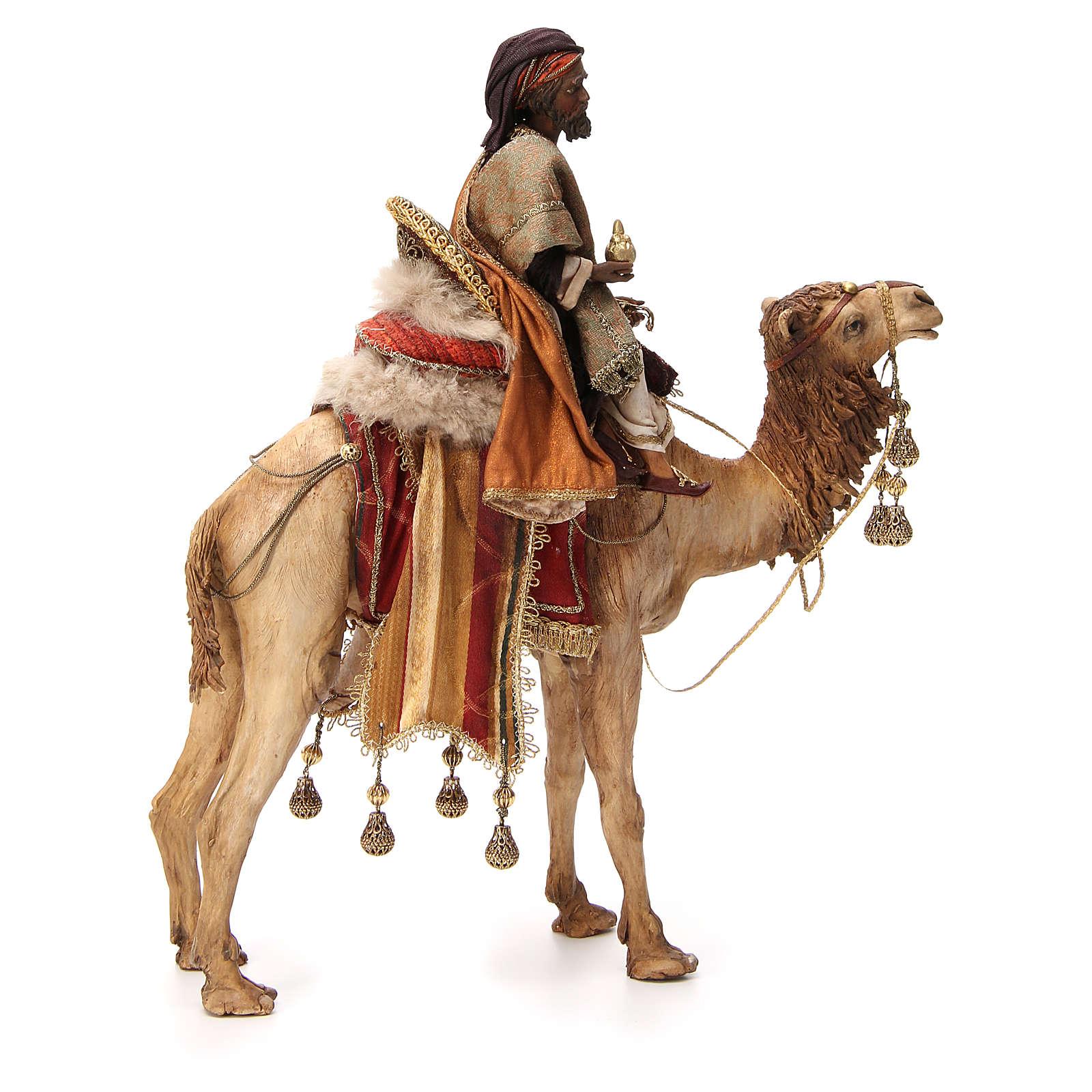 Roi Mage noir avec vase sur chameau 18cm Tripi 4