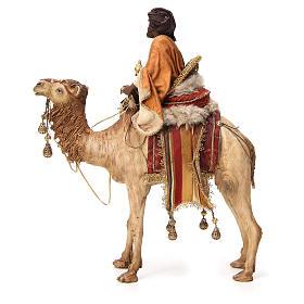 Roi Mage noir avec vase sur chameau 18cm Tripi s3