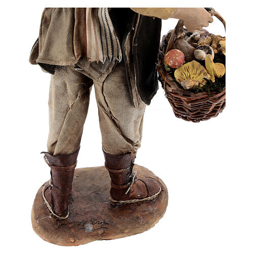 Farmer with basket of mushrooms 30cm Angela Tripi 8