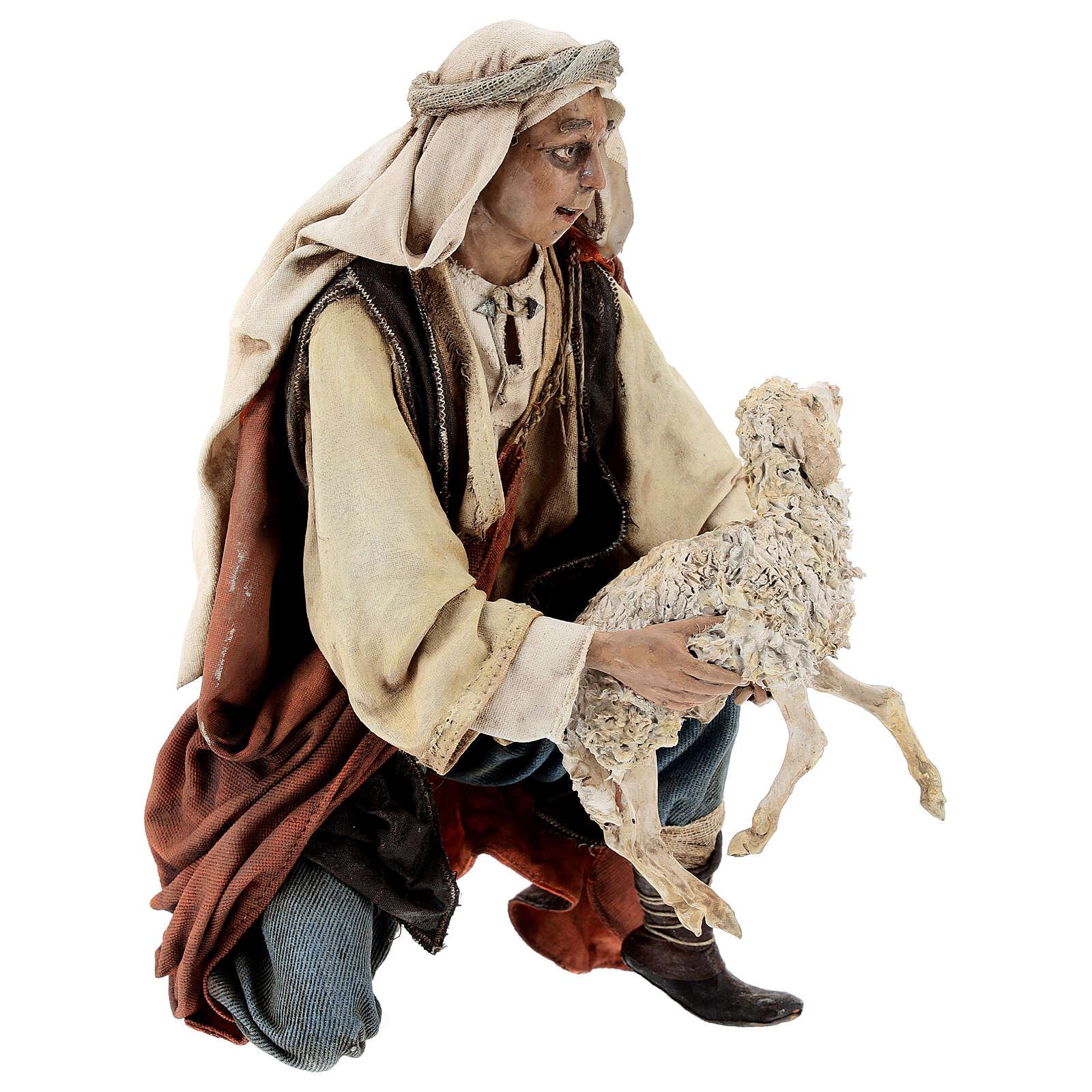 Berger à genoux avec mouton 30 cm Angela Tripi 4
