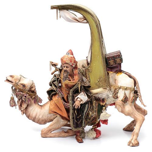 Re Magio scende dal cammello 30 cm Angela Tripi 2