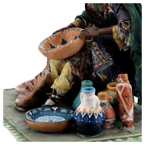 Moor Woman sitting with pottery 18cm Angela Tripi 4
