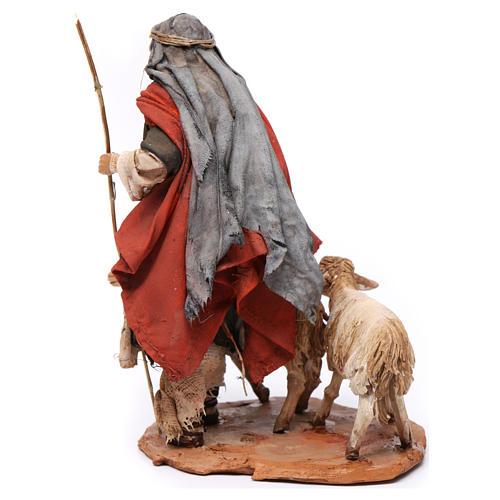 Pastor con dos ovejas 13 cm belén Angela Tripi 5