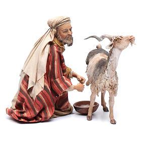 Pastor ordeñando cabra belén Angela Tripi s1