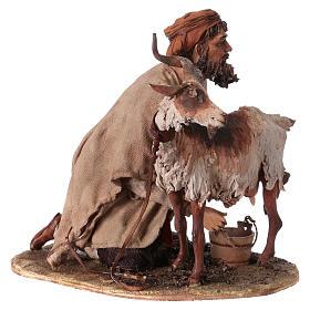 Pastor ordeñando cabra belén Angela Tripi s4