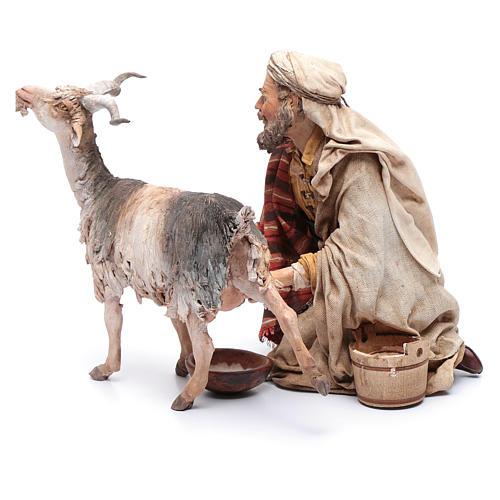 Pastor ordeñando cabra belén Angela Tripi 3