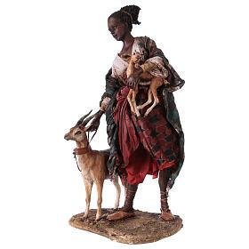 Femme maure avec petit d'antilope 30 cm crèche Angela Tripi s4