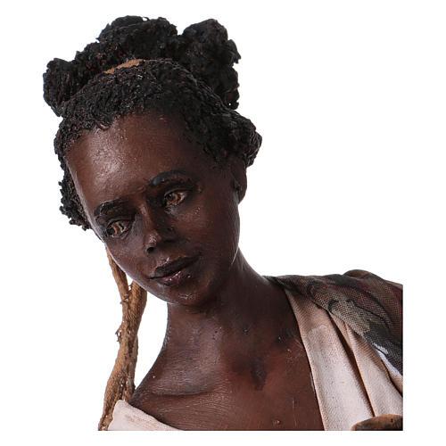 Femme maure avec petit d'antilope 30 cm crèche Angela Tripi 2