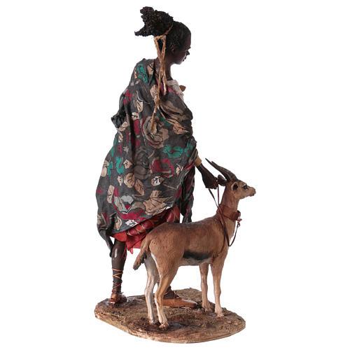 Femme maure avec petit d'antilope 30 cm crèche Angela Tripi 6