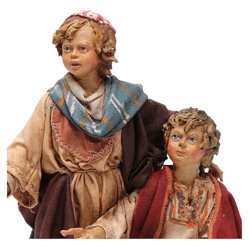 Scena pastore con pecora e bambini presepe 18 cm Angela Tripi 2