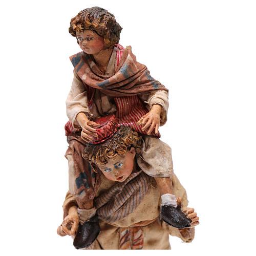 Scena pastore con pecora e bambini presepe 18 cm Angela Tripi 3
