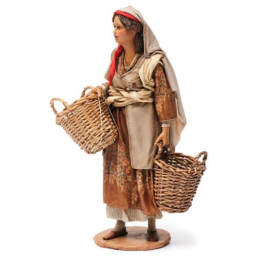 Pastorella con cesti vuoti Presepe Angela Tripi 30 cm 3