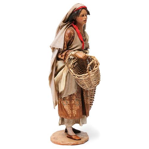 Pastorella con cesti vuoti Presepe Angela Tripi 30 cm 4