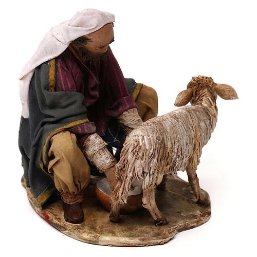 Pastore che munge terracotta 13 cm Angela Tripi 3