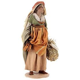 Pastorella con ceste 18 cm Presepe Angela Tripi s4