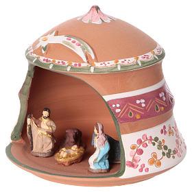 Capannina con natività 4 cm in terracotta Deruta con decorazioni rosa 10x15x15 cm  s3