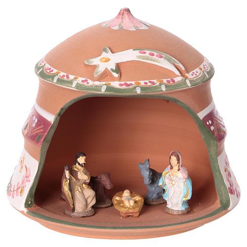 Capannina con natività 4 cm in terracotta Deruta con decorazioni rosa 10x15x15 cm  1