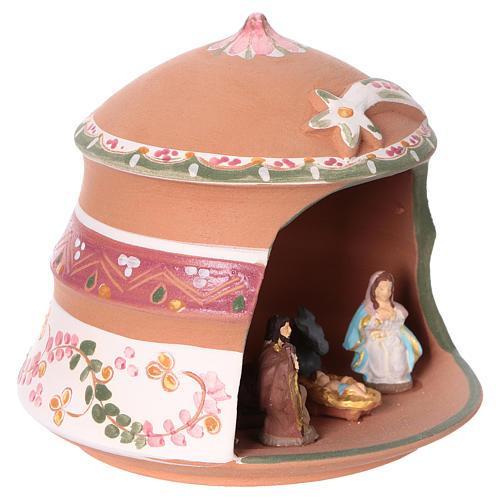 Capannina con natività 4 cm in terracotta Deruta con decorazioni rosa 10x15x15 cm  2