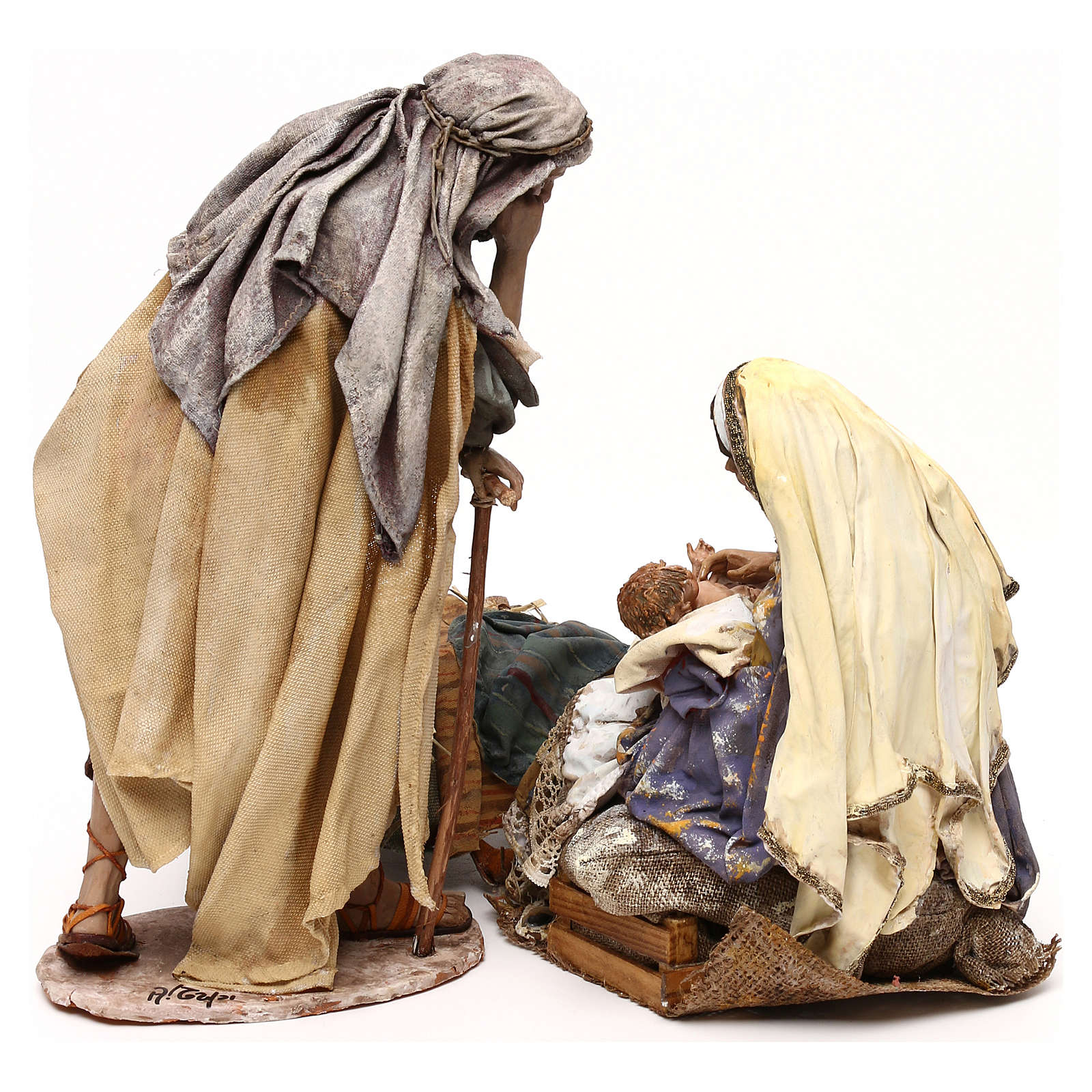Angela Tripi nativity: Mary hugging The Child 30 cm 4