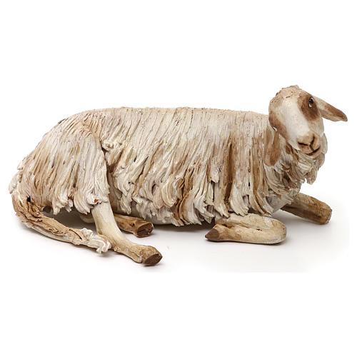 Mouton allongé pour crèche de 30 cm Angela Tripi 1