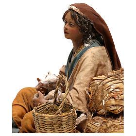 Donna con capretto presepe 30 cm Tripi s4