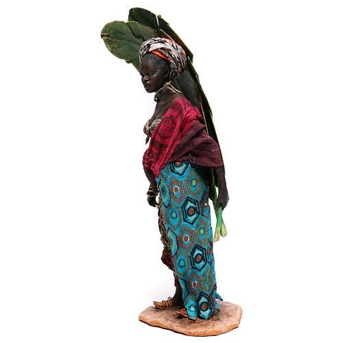 Mujer con hojas de plátano 30 cm belén Tripi 3