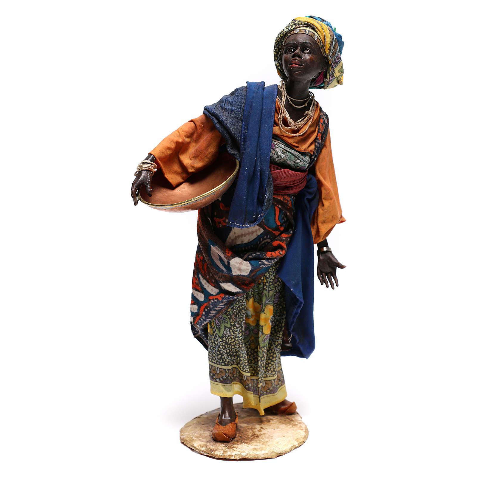 Mujer con escudilla 30 cm creación Angela Tripi 4