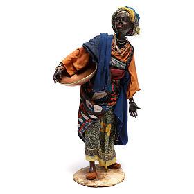 Mujer con escudilla 30 cm creación Angela Tripi s1