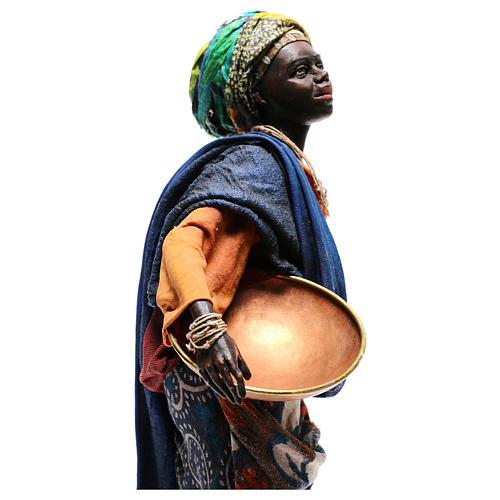 Mujer con escudilla 30 cm creación Angela Tripi 8