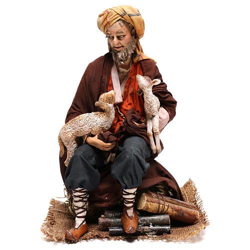 Pastor sentado con ovejas 30 cm Angela Tripi 1