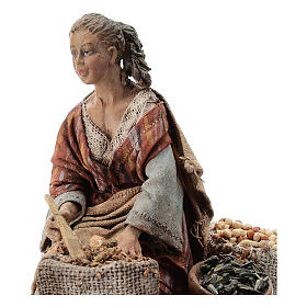 Nativity scene figurine, woman selling spices by Angela Tripi 13 cm s2