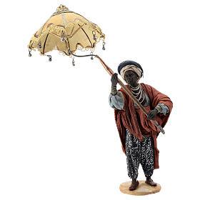 Nativity scene figurine, servant with umbrella 18 cm by Angela Tripi s1