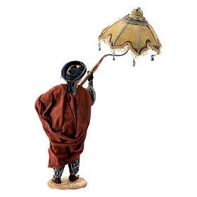 Nativity scene figurine, servant with umbrella 18 cm by Angela Tripi s6