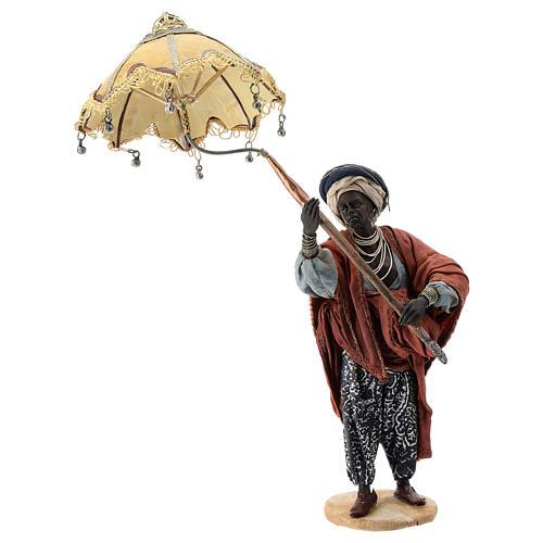 Nativity scene figurine, servant with umbrella 18 cm by Angela Tripi 1
