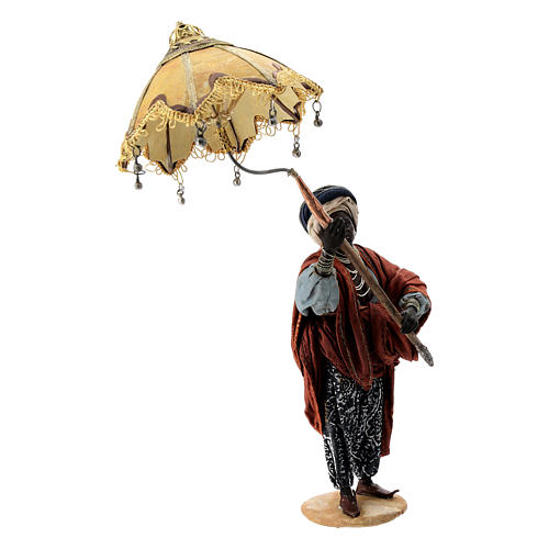 Nativity scene figurine, servant with umbrella 18 cm by Angela Tripi 5