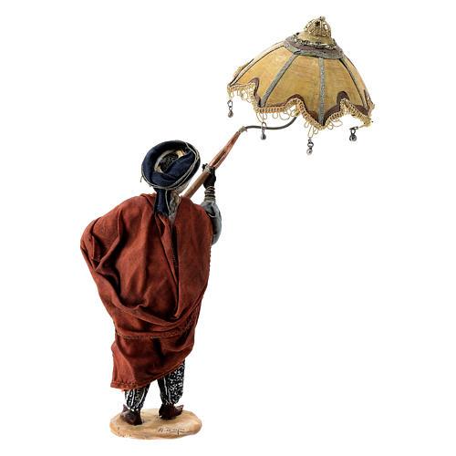 Nativity scene figurine, servant with umbrella 18 cm by Angela Tripi 6