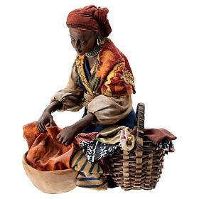 Femme meure qui lave son linge 13 cm Angela Tripi s3