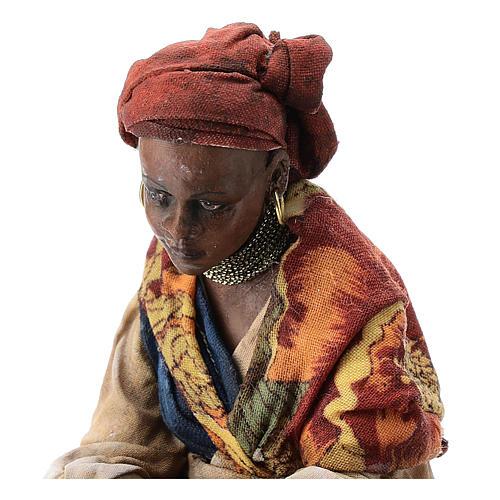 Femme meure qui lave son linge 13 cm Angela Tripi 2