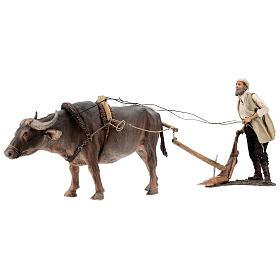 Homme et charrue avec boeuf 30 cm Angela Tripi s6