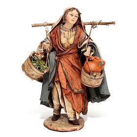 Mujer con ánforas y verduras 13 cm Angela Tripi s1