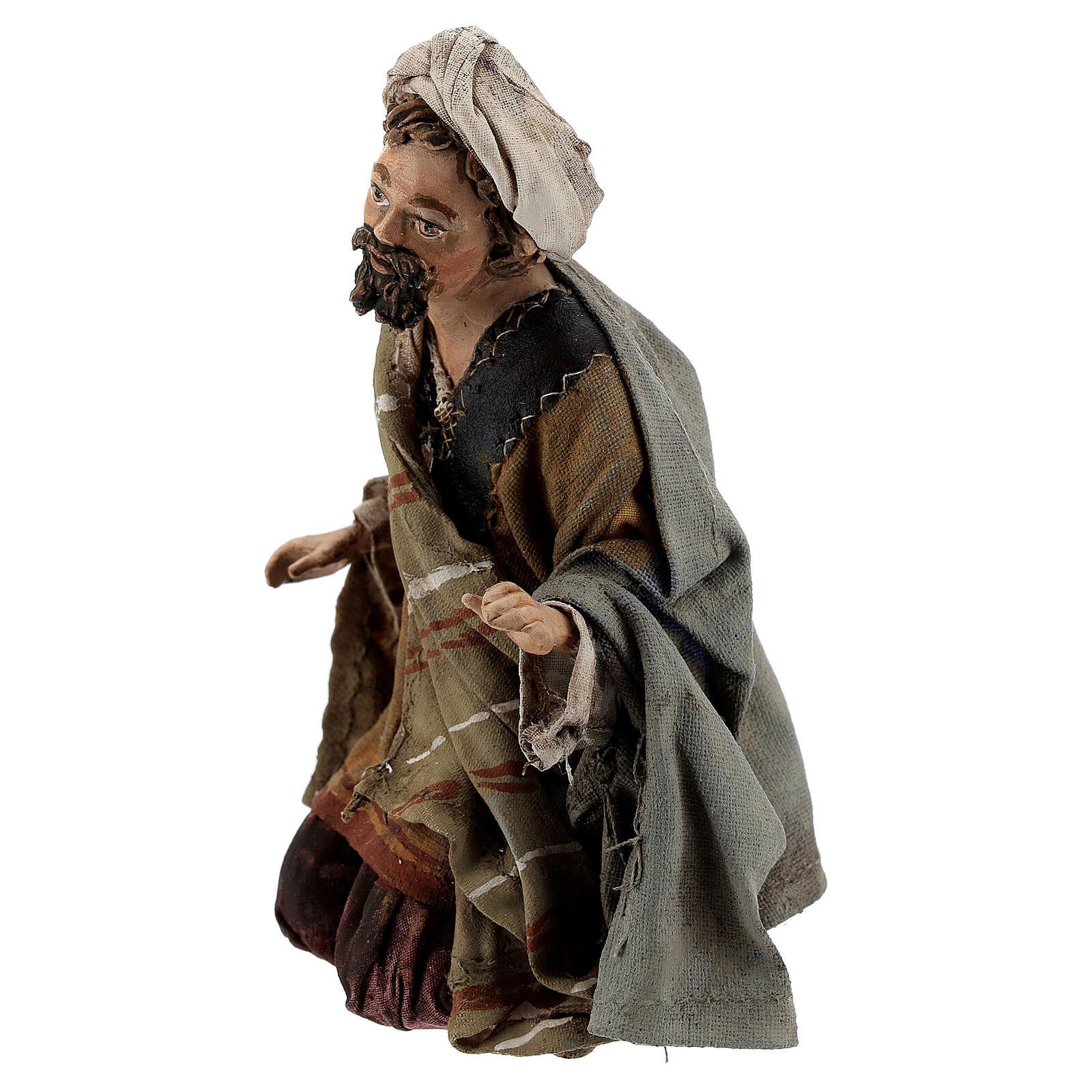 Nativity scene figurine, Amazed shepherd by Angela Tripi 13 cm 4
