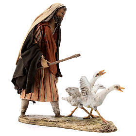Nativity scene figurine, Man with geese by Angela Tripi 13 cm s4